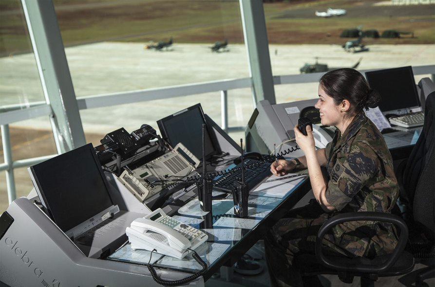 A maioria das vagas é para atuação no Controle de Tráfego Aéreo