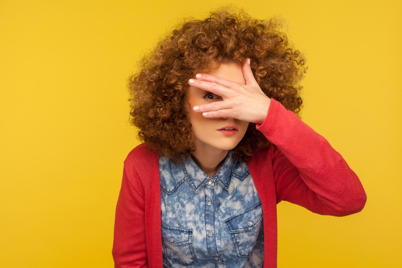 Como vencer a timidez na busca por um emprego?