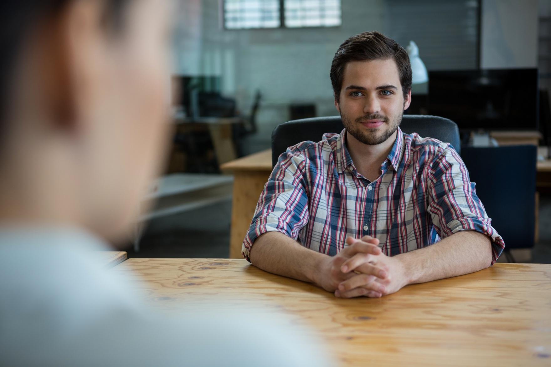 Como falar dos seus defeitos em uma entrevista