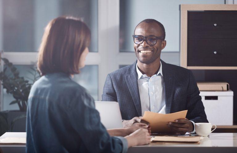 10 coisas que influenciam uma entrevista de emprego