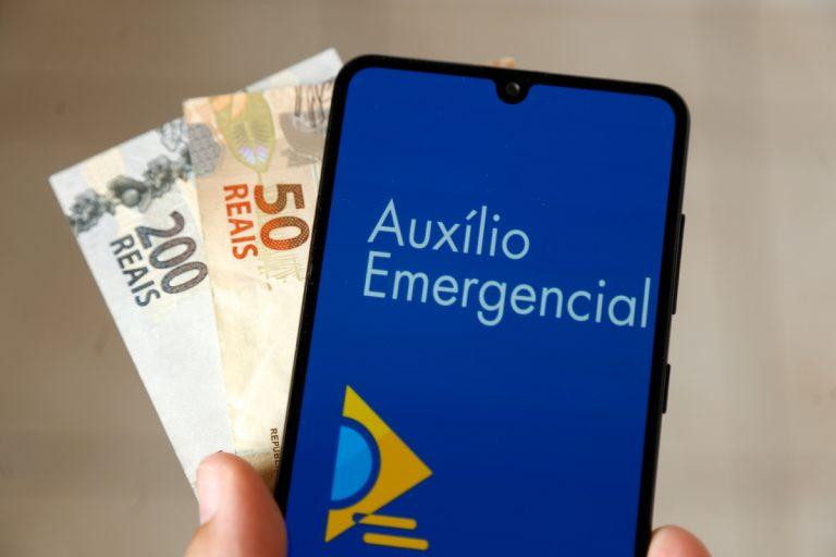 Auxílio emergencial é prorrogado por mais três meses